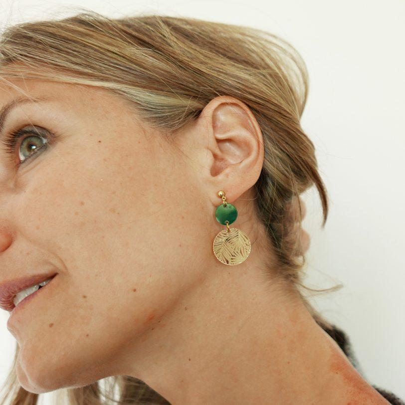 Bica orecchini double dots verdi indossati