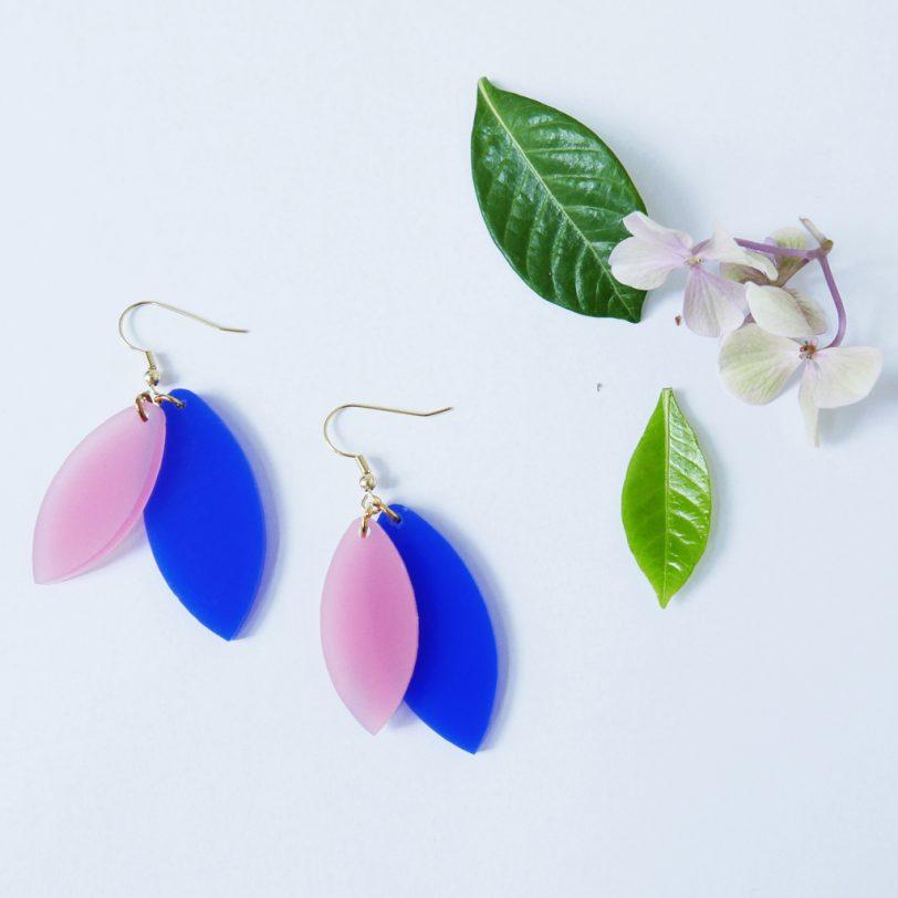 Bica orecchini pendenti foliage blu rosa