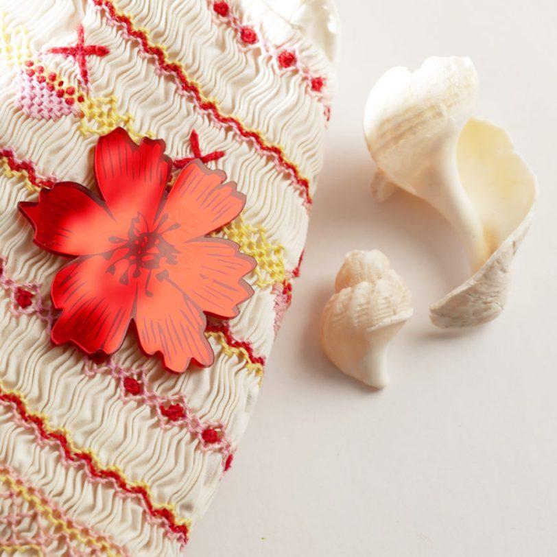 Bica spilla anemone specchio rosso dettaglio